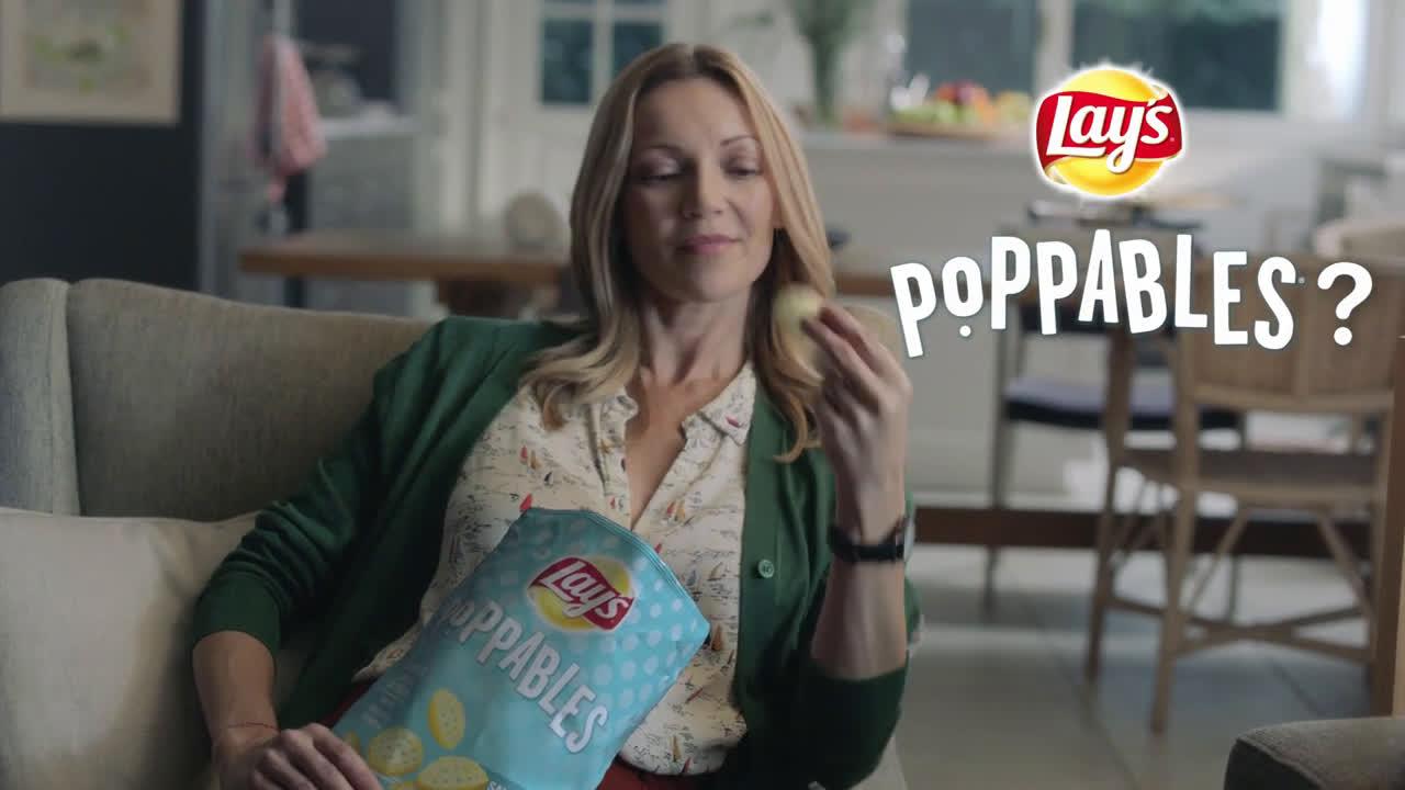 Lays Snacks: Diversión en todas sus formas - Poppables -madre e hija anuncio