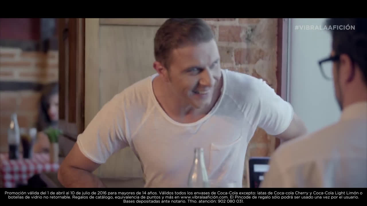 Coca Cola Joaquín y el friki - Vibra la Afición anuncio