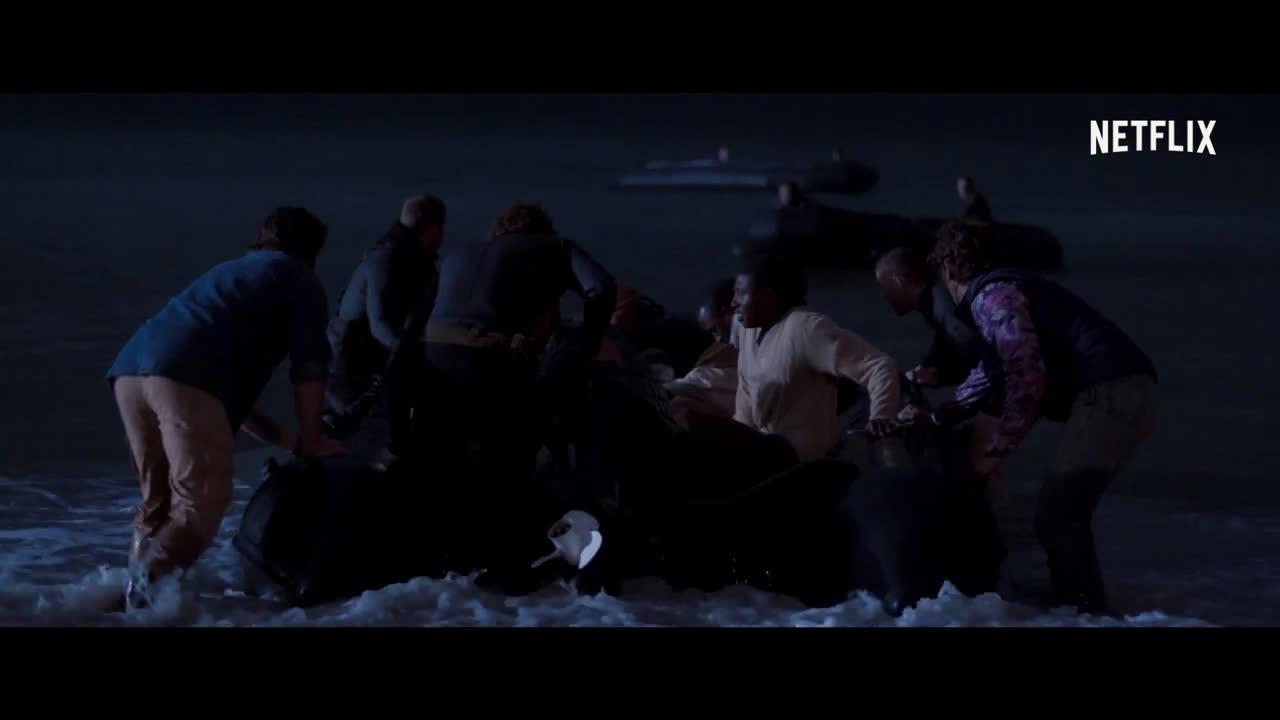 Rescate en el Mar Rojo (subtítulos) | Tráiler oficial Trailer