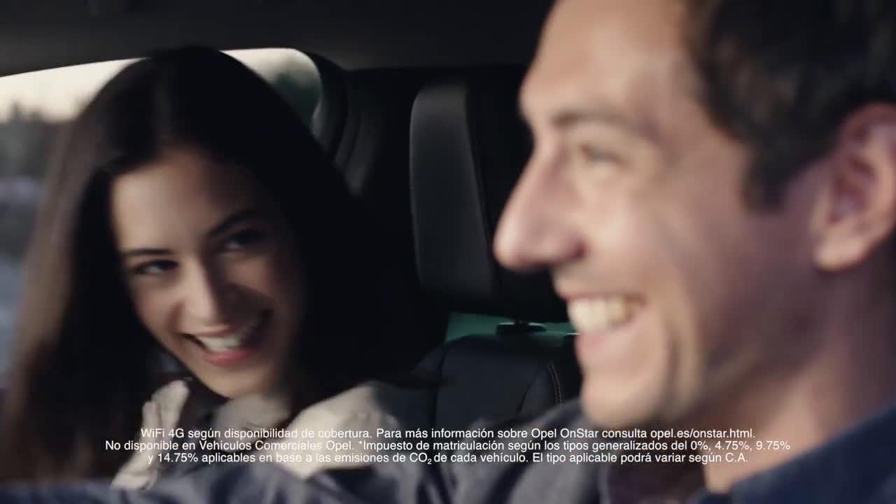Astra Coche del Año en Europa 2016 con Opel OnStar y WiFi 4G Trailer