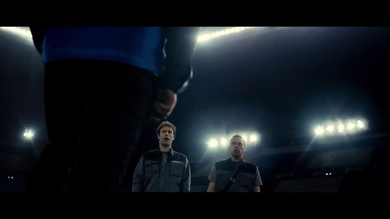 Pepsi MAX | equipo Pepsi MAX y vive la UEFA Champions League - james Rodriguez Kun Aguero anuncio