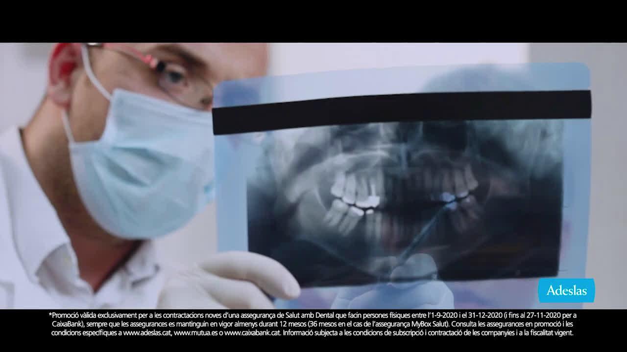 SegurCaixa Adeslas Adeslas Toda una vida 20'' - catalán anuncio