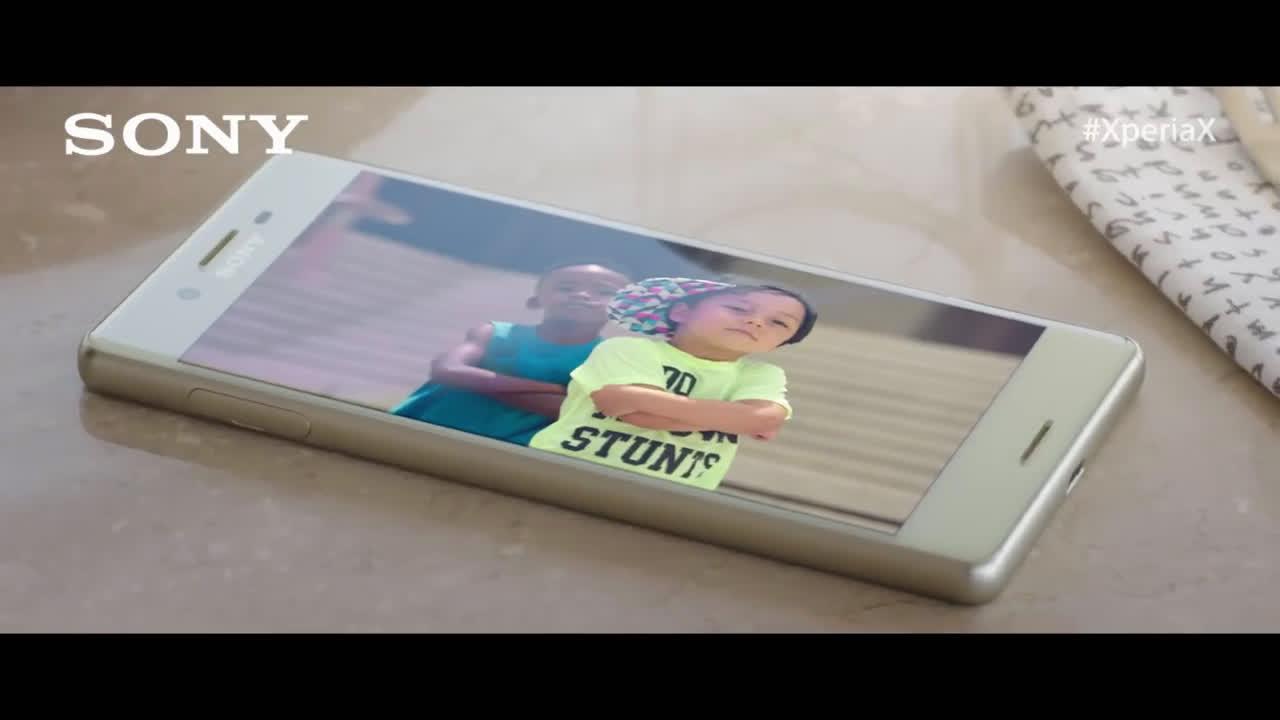 Sony Xperia Paco León te hace un spoiler #HolaXperiaX anuncio