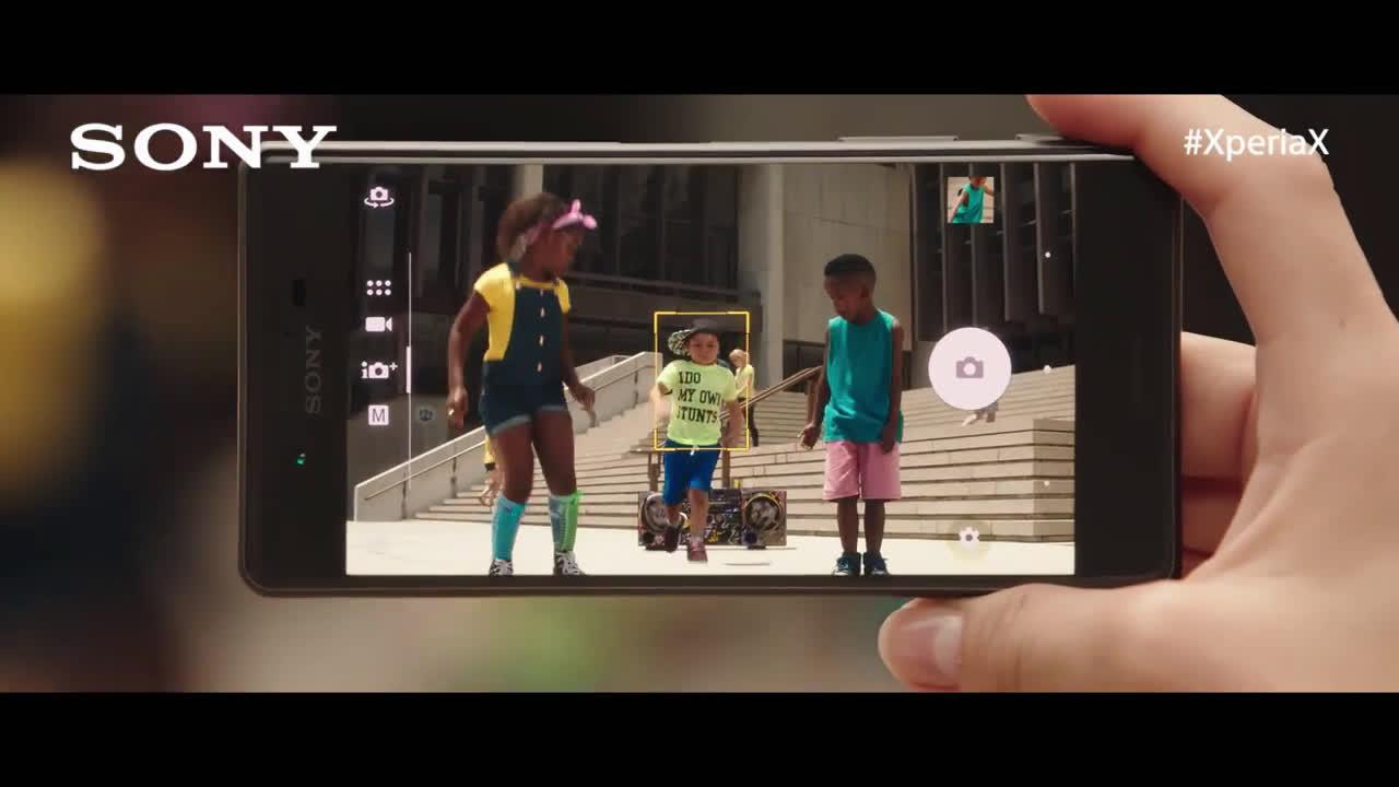 Sony Xperia Paco León predice tus movimientos #HolaXperiaX  anuncio