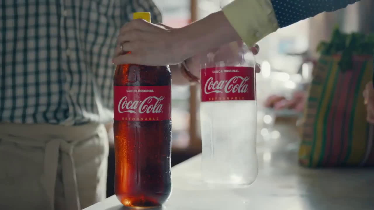 Coca Cola Es hora de juntarnos a comer… ¡otra vez! anuncio