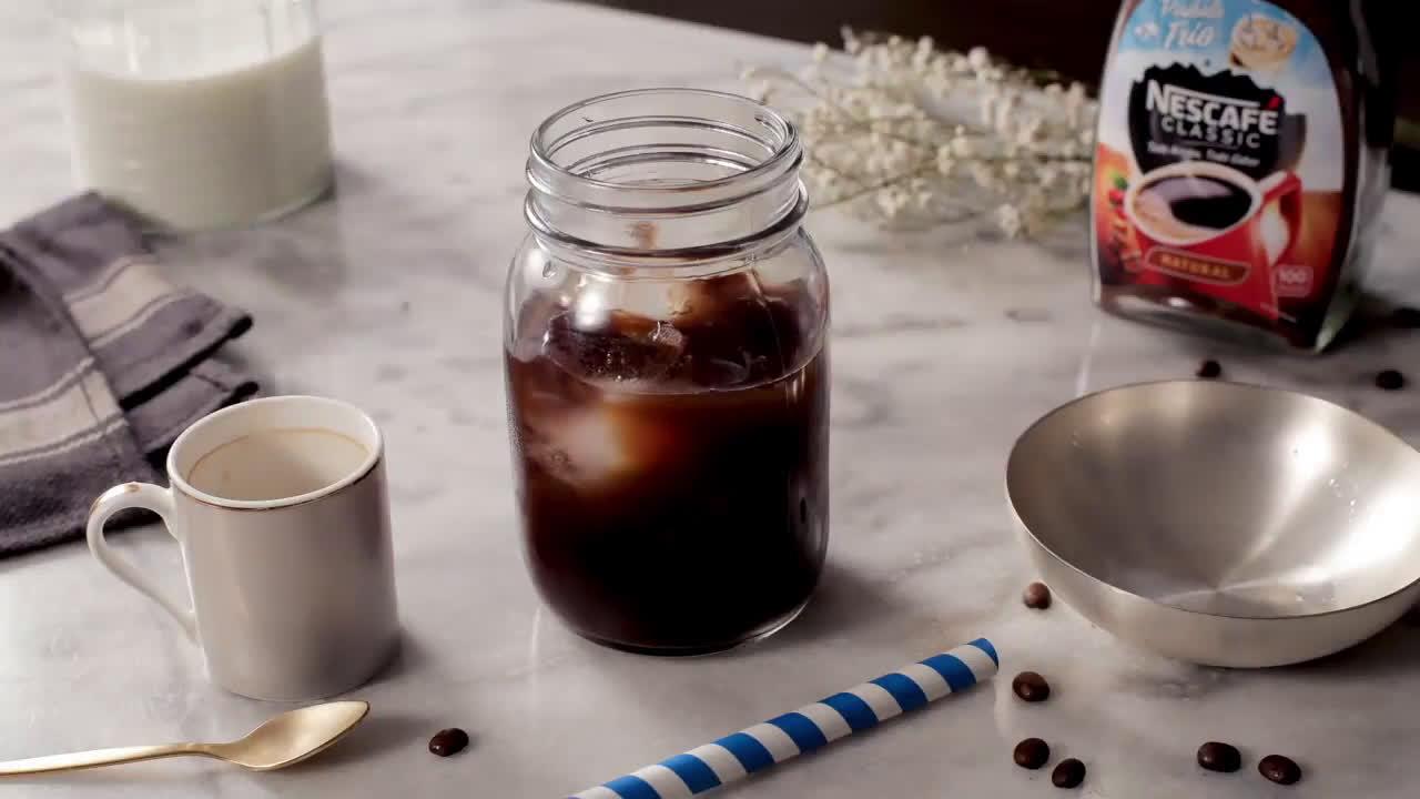 Nescafe Frappé Ice Crush anuncio