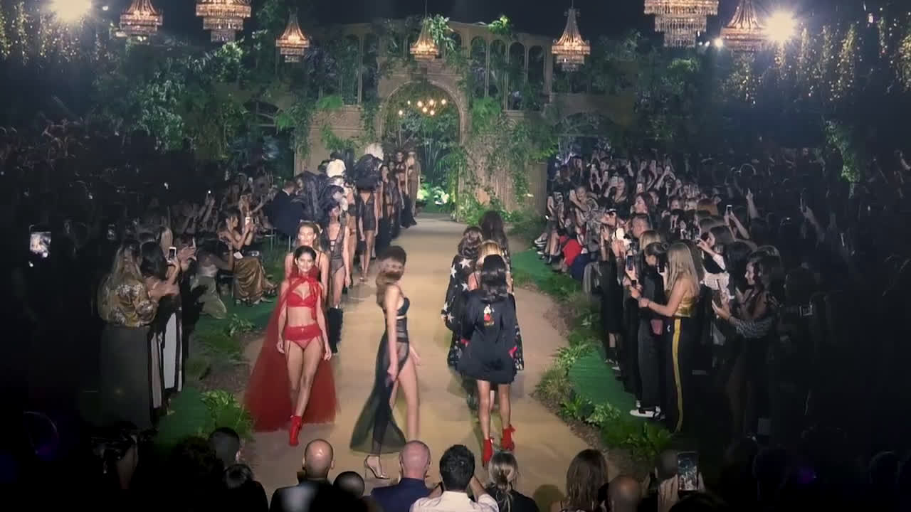 "Intimissimi Show 2018 Teaser - ""Enchanted Forest"" anuncio"