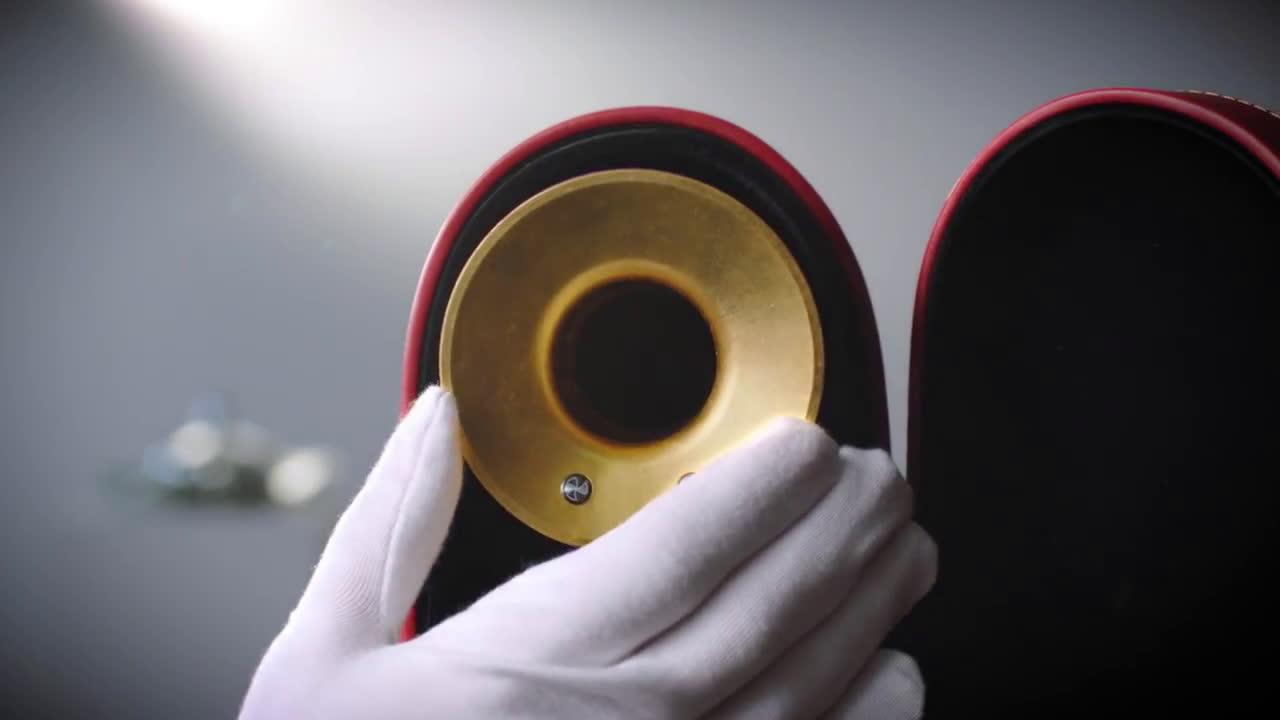 Dyson Supersonic   Blue & Gold: Un anillo de oro anuncio