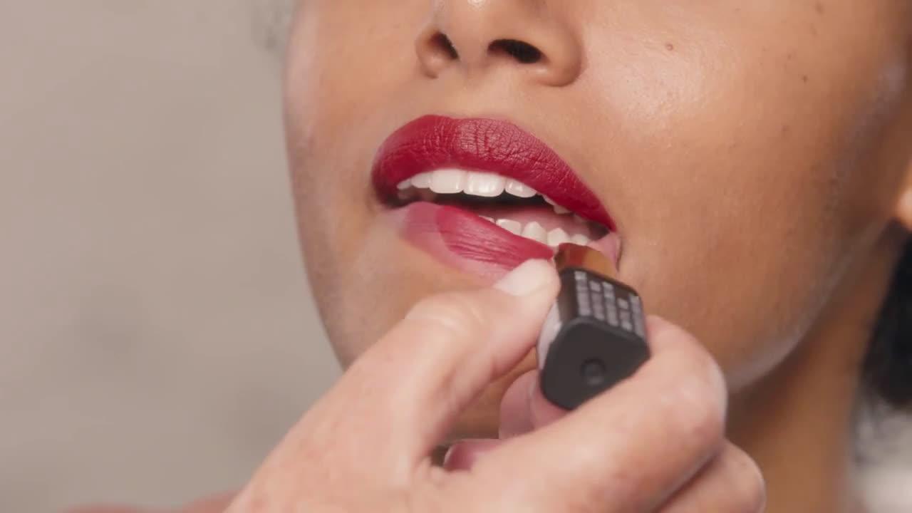 L`oreal Look de labios con la barra de labios SMILE | L'Oréal Paris X Isabel Marant anuncio