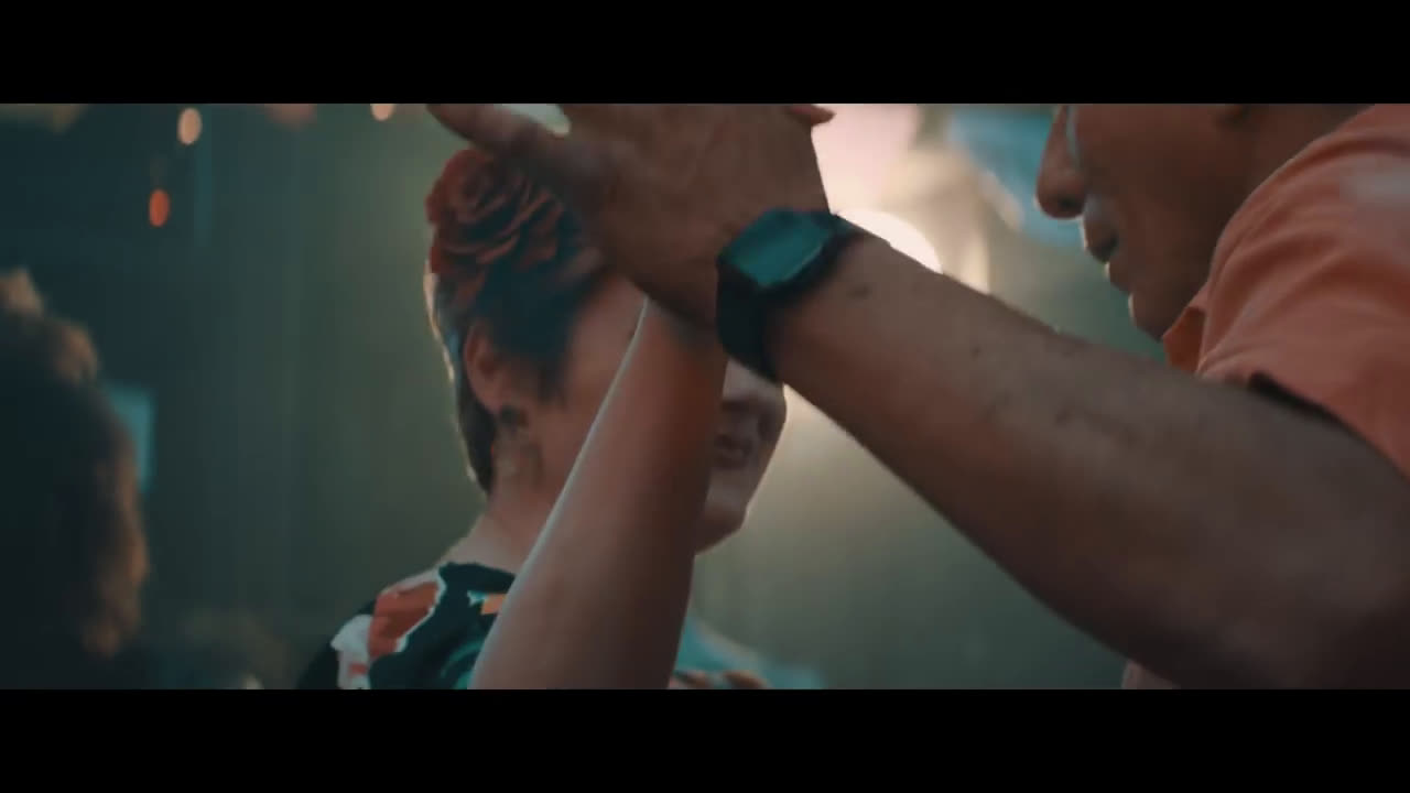 Fitbit Unwrap inspiration this holiday anuncio