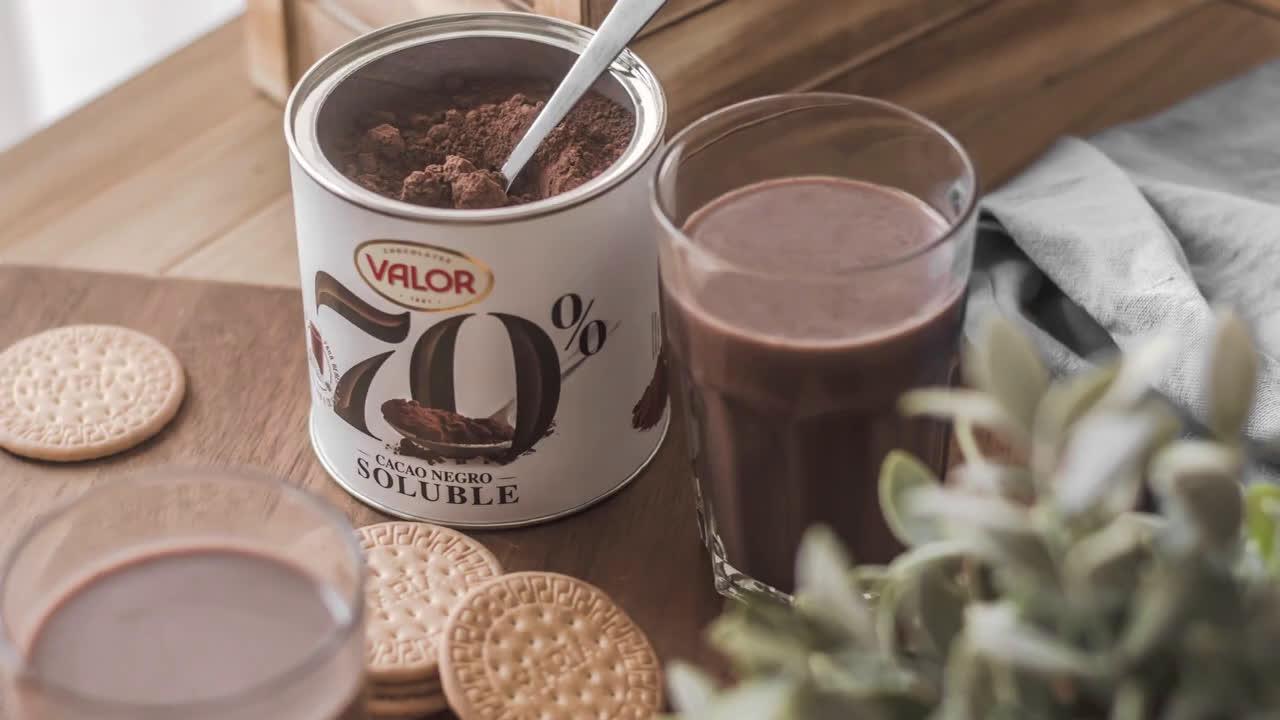 Chocolates Valor Nuevo Cacao Soluble Negro 70% - Chocolates Valor anuncio