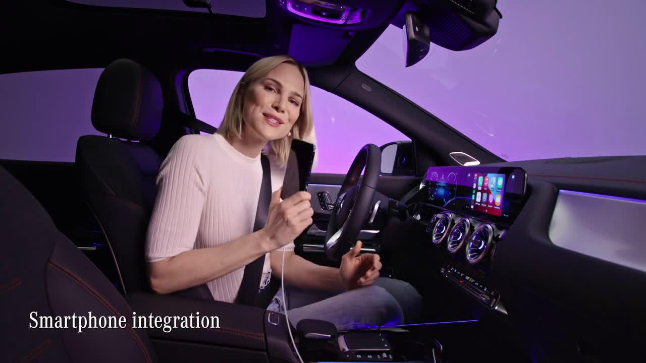 Musique pub Mercedes Benz MBUX et connectivité dans le nouveau pub EQA 2021   Juillet 2021