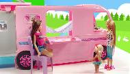 La Grande Récré Camping-car transformable Barbie pub