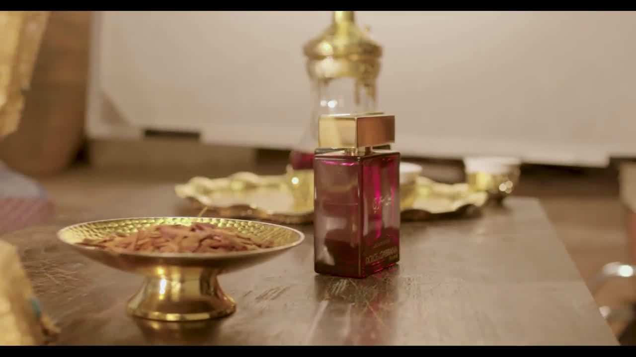 ▷ Dolce   Gabbana THE ONE MYSTERIOUS NIGHT - THE BACKSTAGE Ad Commercial on  TV d1ca7a42f810