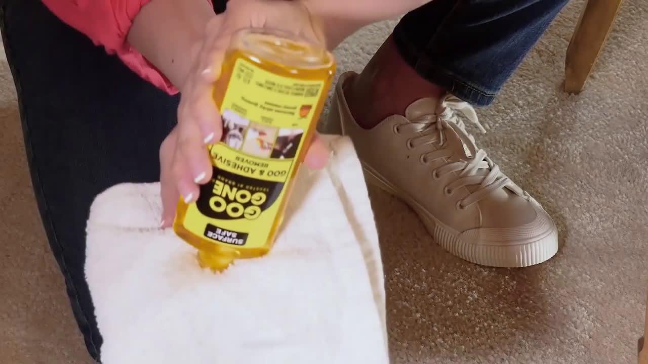Goo Gone Remove Glue Spills From Carpet With Goo Gone Goo