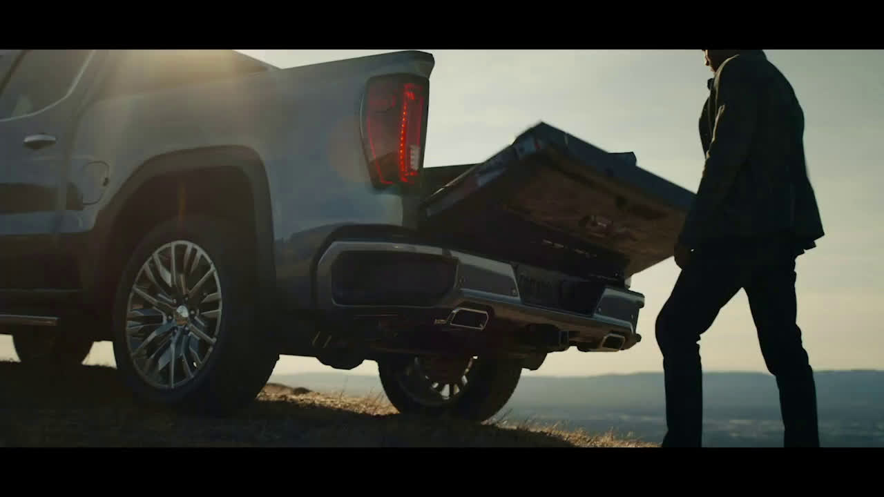 ▷ GMC Sierra tailgate to end all tailgates Ad Commercial on TV 2019