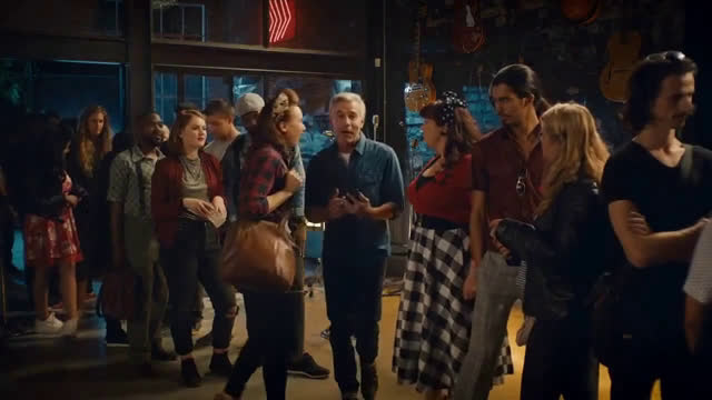 ▷ Trivago Bar Ad Commercial on TV 2019